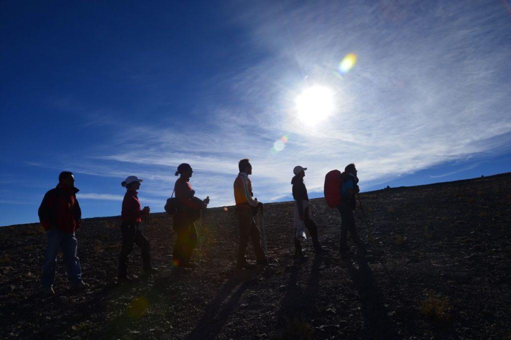 صعود به قله شیرکوه به همراه گروه کوهنوردی آراد