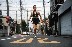 رابرت گارسید اولین نفریه که دور دنیا رو با پای پیاده چرخید
