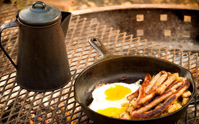 breakfast in camp