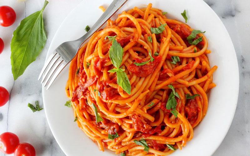 پاستای گوجه و ریحون